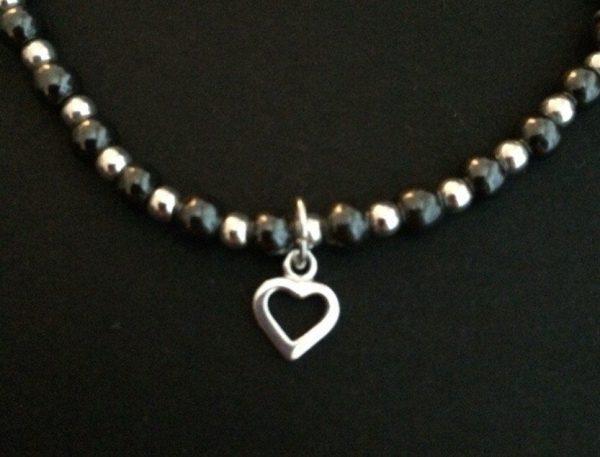 beaded heart bracelet 5e45718b