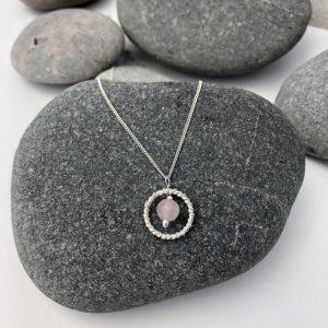 rose quartz necklace 5e456e33