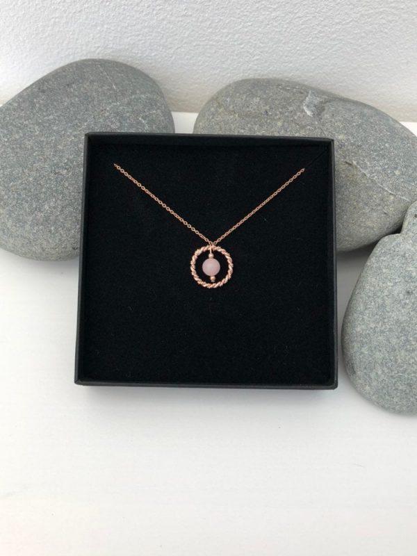rose quartz necklace 5e456e37