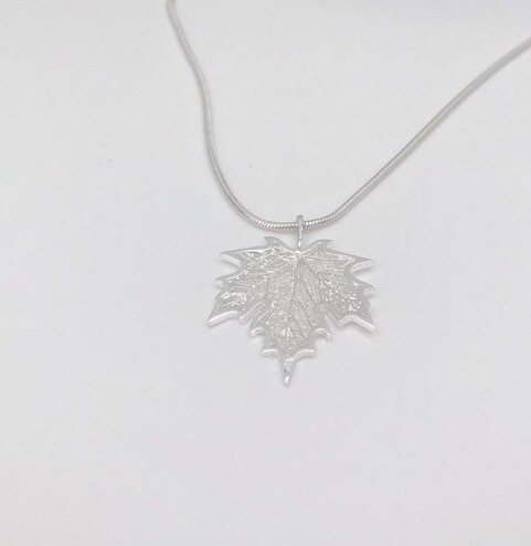 silver maple leaf necklace 5e459a3d